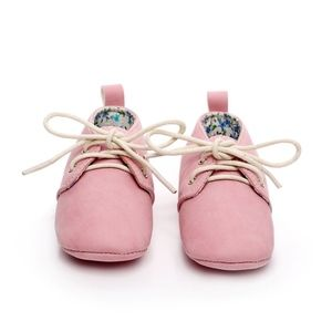 Other - 🐰Easter Girls pink lace up soft sole baby shoes